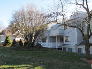 28 Rowayton Woods Drive, Norwalk CT