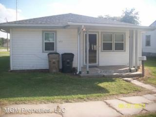 523 E 4th St, Hoisington, KS 67544