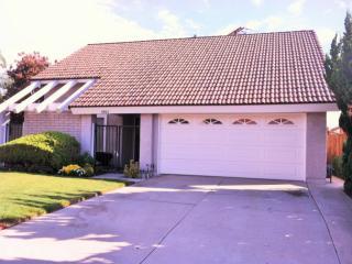 8002 Woodglen Cir, La Palma, CA 90623