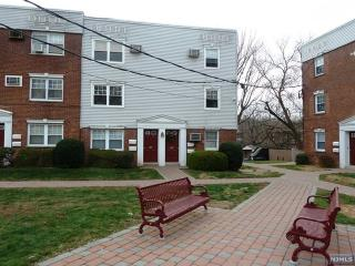 135 Hastings Ave #B, Rutherford, NJ 07070