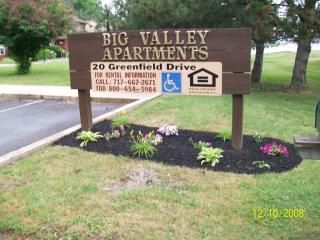 20 Greenfield Dr, Reedsville, PA 17084