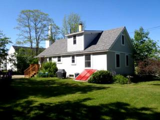 196 Seawall Rd, Southwest Harbor, ME 04679