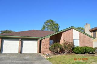 1325 Glenview Ln, Angleton, TX 77515