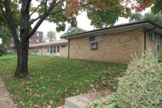 735 Syracuse Ave #H, University City, MO 63130