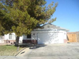 708 Beth Ln, Ridgecrest, CA 93555