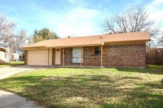 255 Ridgeway Circle, Lewisville TX