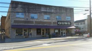 19 W Main St, White Sulphur Springs, WV 24986