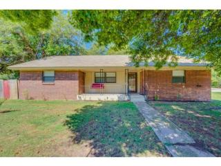 303 West Beech Street, Lexington OK