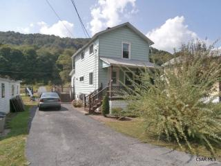 187 Front St, Hooversville, PA 15936