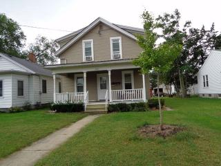 1221 1/2 W Madison St, Ottawa, IL 61350