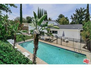 16544 Park Lane Dr, Los Angeles, CA 90049