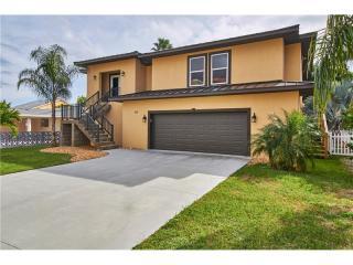 135 174th Ave E, Redington Shores, FL 33708