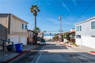 116 41st Street, Manhattan Beach CA