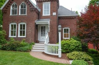 65 Crest Rd, Wellesley, MA 02482