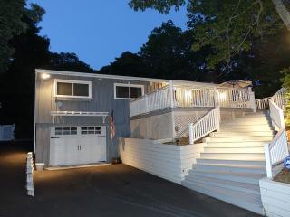 668 Hands Creek Rd, East Hampton, NY 11937