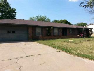 1038 Jan Lee Dr, Burkburnett, TX 76354