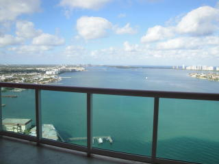 2650 Lake Shore Dr #2304, Riviera Beach, FL 33404