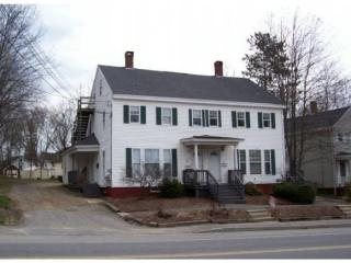 89 6th St, Dover, NH 03820