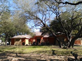 244 Hayden Rd, Pleasanton, TX 78064