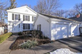 8 Court Of Mohawk Valley, Lincolnshire IL