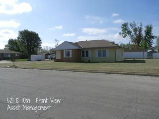 521 E 10th St, La Crosse, KS 67548