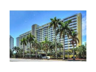 5600 Collins Avenue #17-T, Miami Beach FL