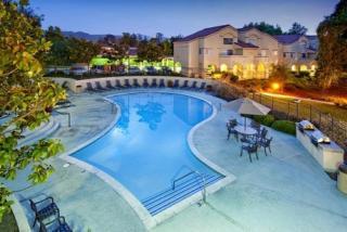 351 Hodencamp Rd, Thousand Oaks, CA 91360