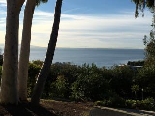 545 Lucero Ave, Pacific Palisades, CA 90272