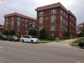 952 N Main St #4, Rockford, IL 61103