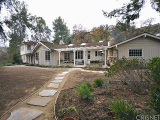 5537 Round Meadow Rd, Hidden Hills, CA 91302