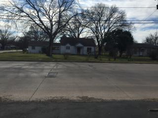 5501 Meandering Rd, River Oaks, TX 76114