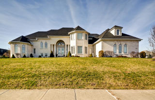 7595 Brownstone Court, Greenfield IN