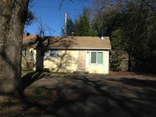 185 Academy Ln, Sonoma, CA 95476