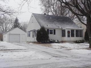 1925 S Jackson St, Appleton, WI 54915