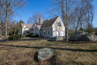 20 Money Point Road, Mystic CT