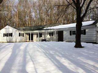 19 Cedar Acres Rd, Woodbridge, CT 06525