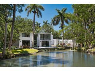 5530 Kerwood Oaks Dr, Coral Gables, FL 33156