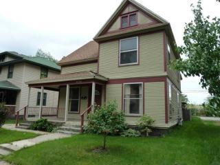 452 Oakdale St SE #1, Grand Rapids, MI 49507