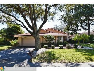 606 Hollows Circle, Deerfield Beach FL