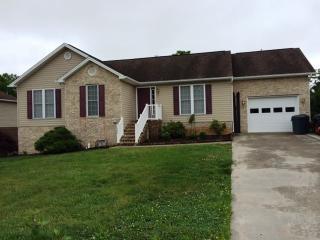1743 Park Lawn Dr, Harrisonburg, VA 22801