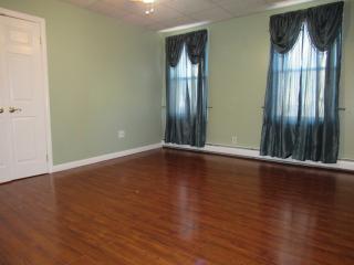 9 Winsor St #1, East Providence, RI 02914