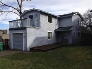6406 Latona Ave NE, Seattle, WA 98115