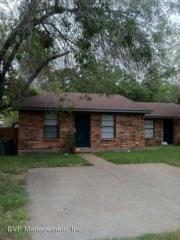 2813 Forest Bnd, Bryan, TX 77801