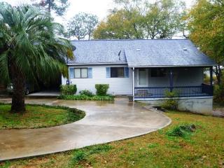 108 Island Dr NE, Milledgeville, GA 31061