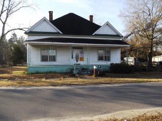 42 Kents Ln, Wrightsville, GA 31096