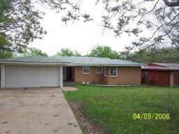 1744 Hillside Dr, River Oaks, TX 76114
