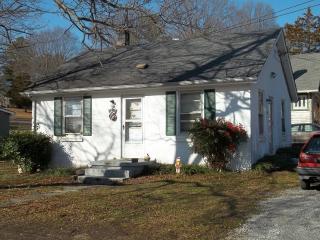 809 W Osborn Rd #A, Farmville, VA 23901