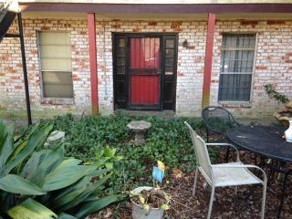 140 Wylie Dr #4, Baton Rouge, LA 70808