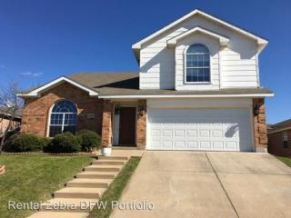 2705 Brea Canyon Rd, Fort Worth, TX 76108