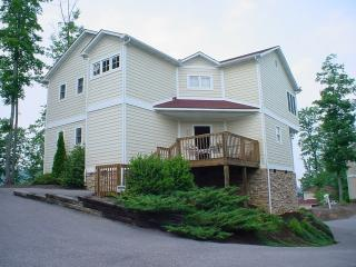 972 Cottage Gardens Way, Gatlinburg, TN 37738